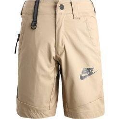 Nike Performance SPOTSWEAR TECH Krótkie spodenki sportowe khaki/black/anthracite. Brązowe spodenki chłopięce marki Nike Performance, z bawełny, sportowe. W wyprzedaży za 131,45 zł.