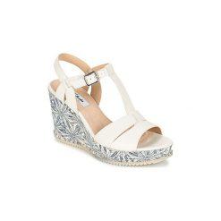 Sandały Clarks  ADESHA RIVER. Białe sandały damskie marki Clarks. Za 223,20 zł.
