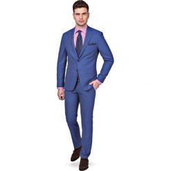 Garnitur Niebieski Arizona. Niebieskie garnitury marki LANCERTO, z bawełny. W wyprzedaży za 499,90 zł.