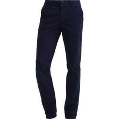 Chinosy męskie: Cortefiel Spodnie materiałowe marine blue