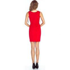 Patrizia Elegancka sukienka z klamerką - CZERWONA. Czerwone sukienki balowe marki morimia, s, z materiału. Za 136,99 zł.