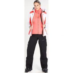 Icepeak NELLY  Kurtka narciarska optic white. Białe kurtki damskie narciarskie Icepeak, z elastanu. W wyprzedaży za 439,20 zł.
