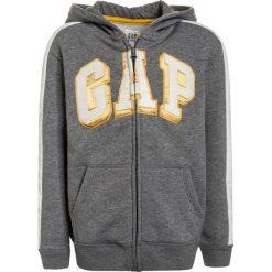 GAP BOYS ACTIVE ARCH HOOD Bluza rozpinana heather grey. Szare bluzy dziewczęce GAP, z bawełny. Za 129,00 zł.