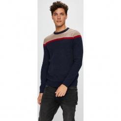 Tom Tailor Denim - Sweter. Czarne swetry klasyczne męskie TOM TAILOR DENIM, l, z bawełny, z okrągłym kołnierzem. W wyprzedaży za 179,90 zł.