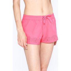 Roxy - Szorty. Różowe szorty damskie marki Roxy, z elastanu, casualowe. W wyprzedaży za 129,90 zł.