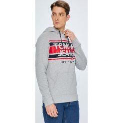 Tommy Jeans - Bluza. Szare bejsbolówki męskie Tommy Jeans, l, z nadrukiem, z bawełny, z kapturem. Za 359,90 zł.