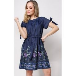 Sukienki ciążowe: Sukienka jeansowa w stylu carmen