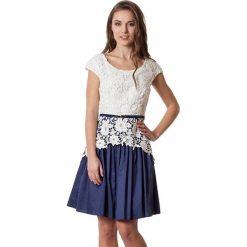Sukienki hiszpanki: Sukienka w kolorze biało-granatowym