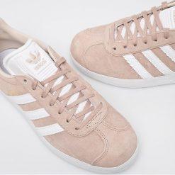 Adidas Originals - Buty Gazelle W. Szare buty sportowe damskie adidas Originals, z materiału. W wyprzedaży za 349,90 zł.
