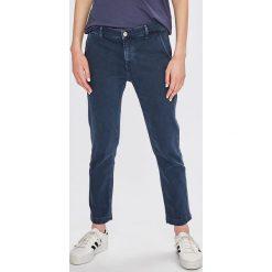Pepe Jeans - Spodnie Maura. Szare jeansy damskie Pepe Jeans. W wyprzedaży za 269,90 zł.