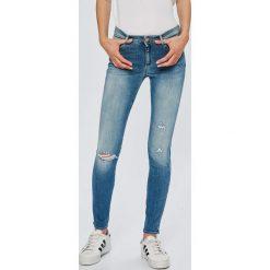 Wrangler - Jeansy Razzle. Niebieskie jeansy damskie Wrangler. Za 329,90 zł.