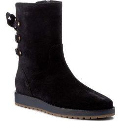 Botki TOMMY HILFIGER - Rita 2B FW0FW01531  Midnight 403. Niebieskie buty zimowe damskie marki TOMMY HILFIGER, ze skóry. W wyprzedaży za 399,00 zł.