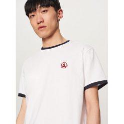 T-shirt z aplikacją - Biały - 2