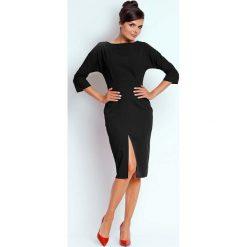 """Czarna Dopasowana Sukienka z Dekoltem """"V"""" na Plecach. Czarne sukienki asymetryczne marki bonprix, do pracy, w paski, biznesowe, moda ciążowa. W wyprzedaży za 110,58 zł."""