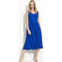 Chabrowa Sukienka Midi na Ramiączkach z Szerokim Dołem. Niebieskie długie sukienki marki bonprix, z nadrukiem, na ramiączkach. Za 99,90 zł.