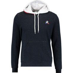 Le coq sportif Bluza z kapturem sky captain. Czarne bluzy męskie rozpinane marki Reserved, m, z kapturem. W wyprzedaży za 341,10 zł.