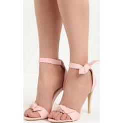 Różowe Sandały Mercy. Czerwone sandały damskie marki Born2be, na wysokim obcasie. Za 69,99 zł.