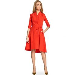 Czerwona Sukienka Trapezowa z Dekoltem na Zakładkę. Czerwone sukienki balowe marki Molly.pl, l, z jeansu, z dekoltem na plecach, z długim rękawem. Za 139,90 zł.