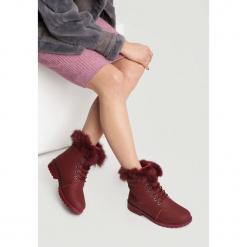 Bordowe Traperki Excitability. Czerwone buty zimowe damskie other, z materiału, z okrągłym noskiem, na obcasie. Za 99,99 zł.