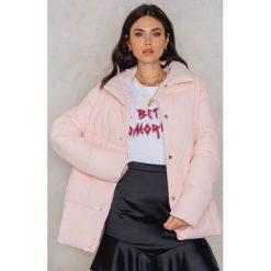 Bomberki damskie: Rut&Circle Kolorowa, watowana kurtka Hilma - Pink