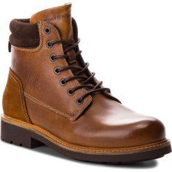 Kozaki TOMMY HILFIGER - Active Leather Boot FM0FM01774 Winter Cognac 906. Brązowe botki męskie TOMMY HILFIGER, z materiału. Za 699,00 zł.