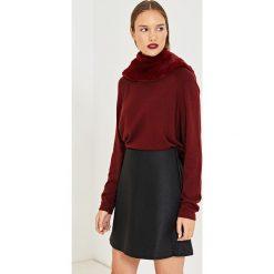 Simple - Spódnica. Szare minispódniczki marki Simple, z materiału, rozkloszowane. W wyprzedaży za 239,90 zł.