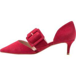 Carvela ANILA Czółenka red. Czerwone buty ślubne damskie Carvela, z materiału. Za 629,00 zł.
