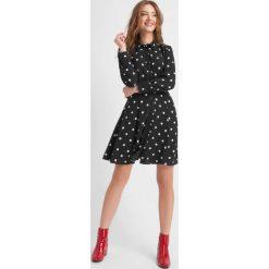 Sukienki hiszpanki: Sukienka w grochy