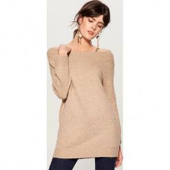 Sweter z domieszką wełny - Beżowy. Czerwone swetry klasyczne damskie marki Mohito, z bawełny. Za 129,99 zł.