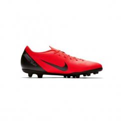 Buty do piłki nożnej Vapor Club CR7 MG korki. Czerwone buty skate męskie Nike, z syntetyku, do piłki nożnej. Za 199,99 zł.
