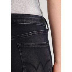 Le Temps Des Cerises ULTRAPOW Jeans Skinny Fit black. Szare boyfriendy damskie Le Temps Des Cerises. W wyprzedaży za 229,50 zł.
