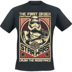 Star Wars Episode 7 - Das Erwachen der Macht - Crush The Resistance Stormtrooper T-Shirt czarny. Niebieskie t-shirty męskie z nadrukiem marki Reserved, l, z okrągłym kołnierzem. Za 74,90 zł.
