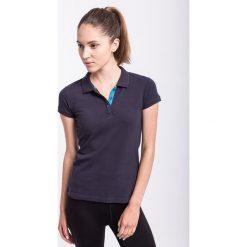 Koszulka polo damska TSD051z - granatowy - 4F. Czarne bluzki sportowe damskie marki 4f, l, z nadrukiem, z bawełny. Za 59,99 zł.