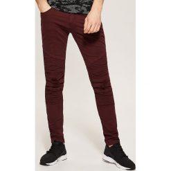 Rurki męskie: Spodnie skinny z biker panelami – Bordowy