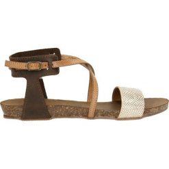 Sandały ZIRA. Szare sandały damskie marki Gino Rossi, z gumy. Za 149,90 zł.