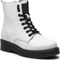 Trapery WOJAS - 8678-59 Biały. Białe buty zimowe damskie Wojas, z materiału. W wyprzedaży za 349,00 zł.