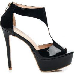 Czółenka szpilki na platformie czarne HONORATAS. Czarne buty ślubne damskie marki comer, na platformie. Za 129,00 zł.