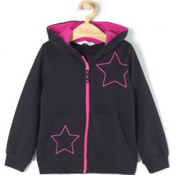 Bluza. Czarne bluzy dziewczęce rozpinane BASIC GIRL, z aplikacjami, z bawełny, z długim rękawem, długie, z kapturem. Za 47,90 zł.