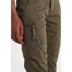 Mos Mosh VALERINE KATY CARGO Szorty army. Zielone szorty damskie Mos Mosh, z bawełny. Za 599,00 zł.