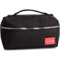 Kosmetyczka CALVIN KLEIN JEANS - Sp Essential Washbag K40K400844 001. Czarne kosmetyczki damskie Calvin Klein Jeans, z jeansu. Za 279,00 zł.