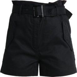 GStar ROVIC HIGH PAPERBAG SHORT Szorty dk black. Czarne bermudy damskie G-Star, z bawełny. Za 469,00 zł.