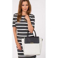 Wzorzysta torebka z klapą. Szare torebki klasyczne damskie Monnari, w paski, ze skóry, duże. Za 99,60 zł.