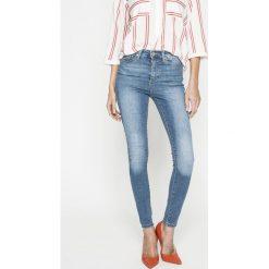 Vero Moda - Jeansy Sophia. Niebieskie jeansy damskie marki Vero Moda, z bawełny. W wyprzedaży za 89,90 zł.