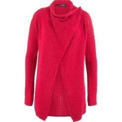 Sweter rozpinany w strukturalny wzór bonprix czerwony. Czerwone kardigany damskie bonprix. Za 99,99 zł.