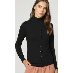 2-częściowy zestaw w kolorze czarnym. Czarne kardigany damskie marki William de Faye, z kaszmiru. W wyprzedaży za 227,95 zł.