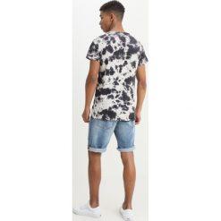 T-shirty męskie z nadrukiem: Tigha MOCHA Tshirt z nadrukiem white/black