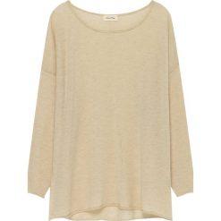 Sweter w kolorze beżowym. Brązowe swetry oversize damskie American Vintage, z wełny. W wyprzedaży za 215,95 zł.