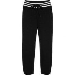 Spodnie sportowe 3/4 bonprix czarny. Zielone spodnie sportowe damskie marki bonprix, w kropki, z kopertowym dekoltem, kopertowe. Za 49,99 zł.