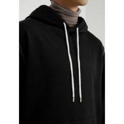 Bejsbolówki męskie: AllSaints SAMBIC HOODY Bluza z kapturem jet black/chalk