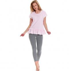 Piżama w kolorze jasnoróżowo-biało-szarym - t-shirt, legginsy. Białe legginsy we wzory Doctor Nap, l. W wyprzedaży za 72,95 zł.